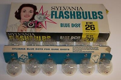 12 Vintage Sylvania P26 clear FOCAL PLANE flashbulbs Press 26 Flash Bulbs  _454