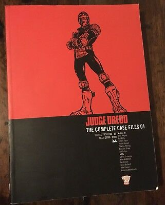 Judge Dredd: Complete Case Files v. 1 by etc. Paperback Book