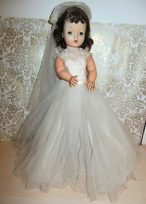 Vintage Madame Alexander CISSY DOLL in 1956 Bride Doll Gown and Hat/Veil RING