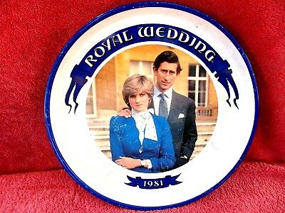 1981  ROYAL  WEDDING  PAINTED TIN  SERVING  TRAY   30cm.