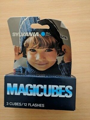 NEW Sylvania Magicubes Magic Cubes, Blue Dot, 3 Cubes / 12 Flashes