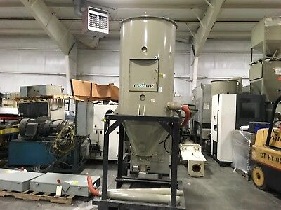 Conair CH33-21 Drying Hopper, ON STAND, W/ HOSE, 735 Lbs Capacity, YF-233M