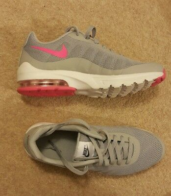 Nike Air Running trainers Shoes Ladies Womens Size UK 5 (Worn only once)