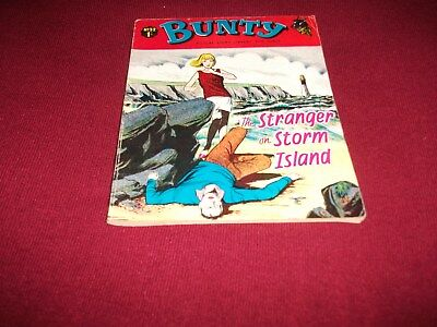 REALLY RARE BUNTY  PICTURE STORY LIBRARY BOOK  from the 1960's