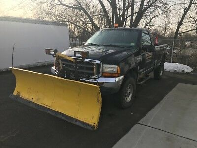 2000 Ford F-350 SuperDuty 4x4 Plow Truck  comes with Plow and Spreader. Ready to go to Work !!!