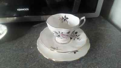 Vintage Royal Albert English China Trio Tea Cup Saucer Plate Queen's Messenger