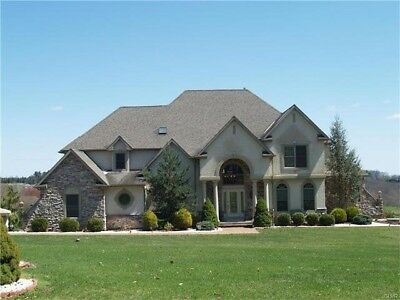 Gorgeous 6 Bedroom Luxury Home in the Lehigh Valley Overlooking Golf Course