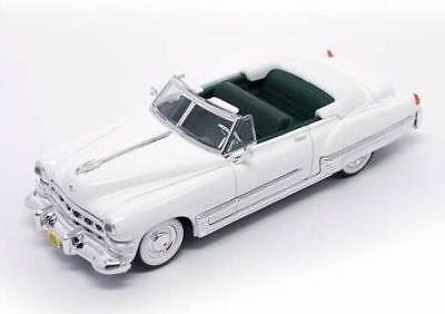 Cadillac Coupe' Deville 1949 White 1:43 Model LUCKY DIE CAST