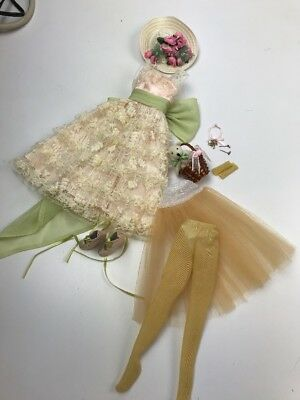 """WILDE/TONNER - TDH - 16"""" Dainty Miette OUTFIT ONLY (bagged)"""
