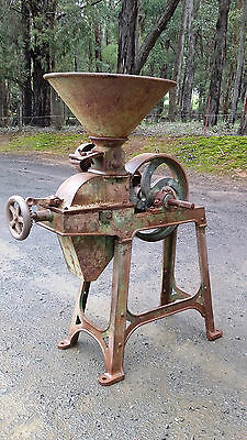 """Antique Corn and Seed Crusher Maldon England Bentall""""s - Collectable"""