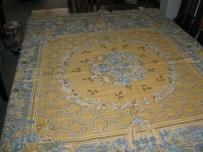 Lovely vintage/retro tapestry effect bed throw