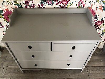 Baby changing unit with 4 drawers