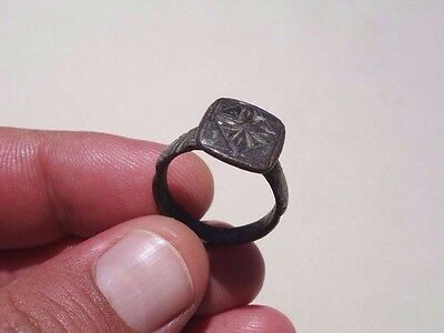 ancient late Roman - Byzantine bronze ring, displayed a nicely engraved cross