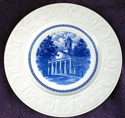 Wedgwood Amherst College Blue COLLEGE HALL Plate   EXCELLENT