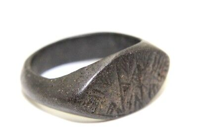 ROMAN SOLID RING. BRONZE. ENGRAVED.   2v45