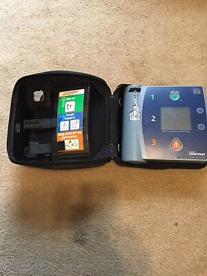 Philips Fr2  used Semi -auto aed w/ carry case M3840A