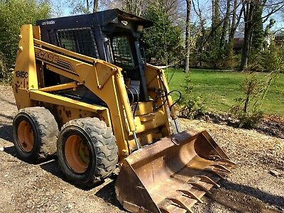 Case 1845C skid steer loader enclosed cab with heat 1090 hrs. Runs great!