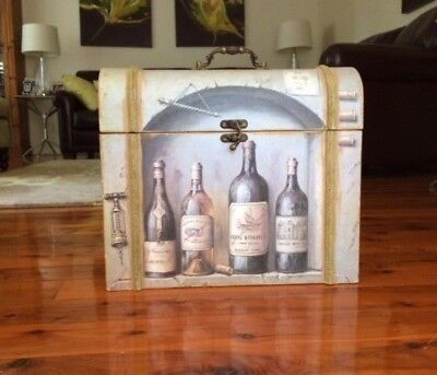 Retro Style Decorative Wooden 4 Bottle Wine Carrier Box