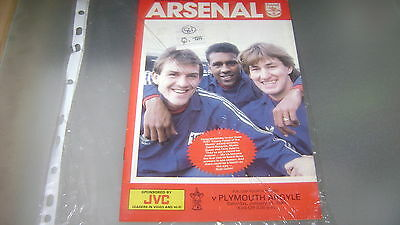 arsenal v plymouth 86/87 fa cup 4th round programme in very good condition