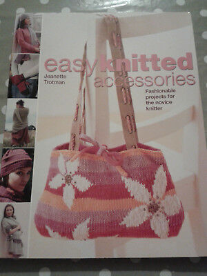Easy knitted accessories - tricot