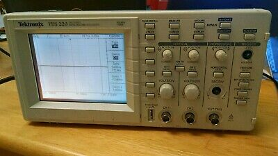 Tektronix TDS210 60 MHz 2 Channels with TDS2MM COMMUNICATION AND MATH FFT