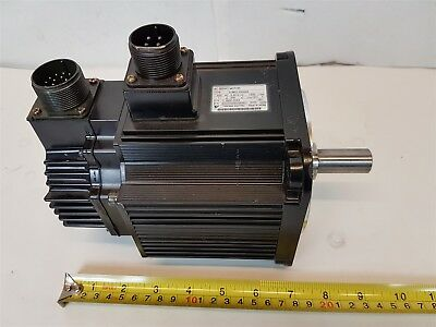 Yaskawa SGMG-09AWA Servo Motor 850W 1500rpm 7.1A 200V - Good Used Condition
