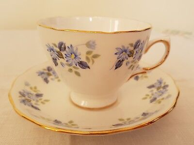 Vintage Royal Vale blue daisy flower bone china teacup & saucer vgc