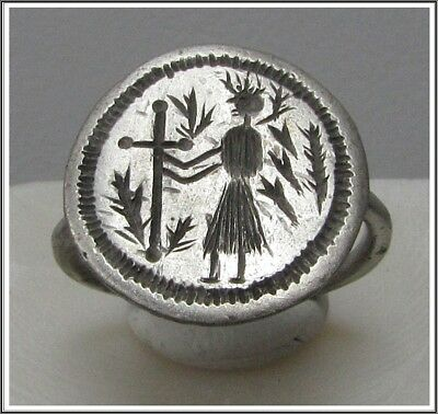 ** VICTORIA holding CROSS **Ancient Silver Late Roman or Byzantine Ring