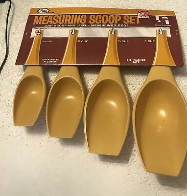 Vintage Foley Plastic Mustard Yellow Measuring Scoop Set New on Card w Rack