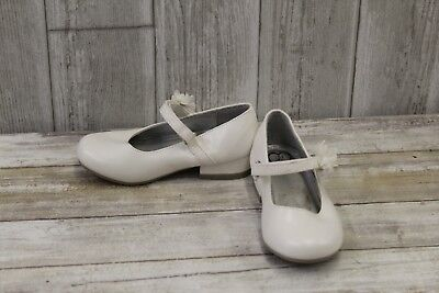 **143 Girl Lil Lily Mary Janes Dress Shoes - Toddler's size 9M - White