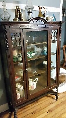 vintage hutch OR curio cabinet. very nice.