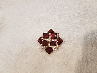 AVON 2014 Scarlet Holiday Fashion Collectable Brooch