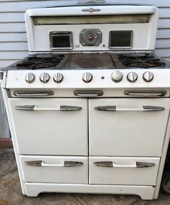 Retro 1950's Vintage Gas Stove with oven & broiler by O'Keefe & Merritt
