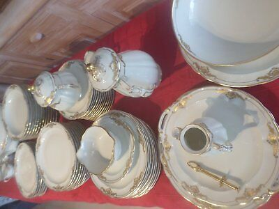 service  de table 83 pieces bernardaud coquille dorée a l or fin
