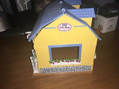 Breyer Stablemates Tack /stable Playset