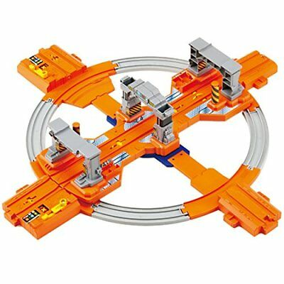 Plarail turn round and round! Big railway turntable base
