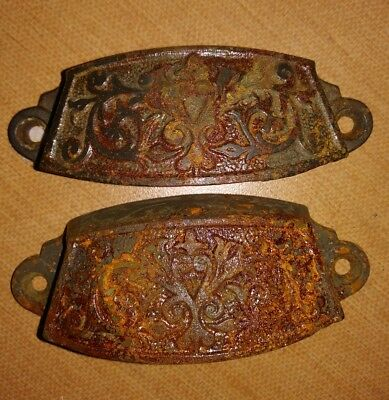 ANTIQUE CAST IRON VICTORIAN ORNATE DRAWER PULL HANDLEs  1880'S
