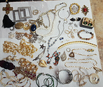 Vintage Estate Junk Drawer Costume Jewelry Lot - 2 Dozen Pieces ^
