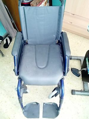 Silla de ruedas medical sunrise lavable sin uso ligera azul metalizado.
