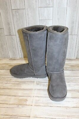 4ba9513dc54 UGG CLASSIC TALL II Boots, Women's Size 9, Grey