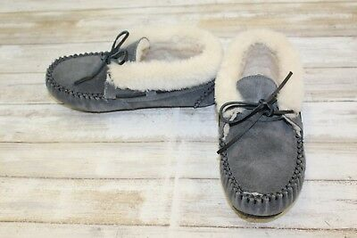 Minnetonka Chrissy Suede Moccasin Booties Women S Size 6 Charcoal