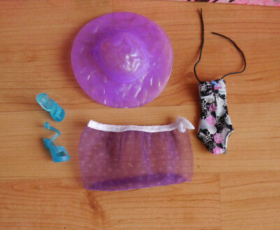 Monster High Puppenkleidung + Fashionset Abbey Bominable + Beach +