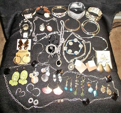Lot Of 37 Vintage/Antique Costume Jewelry Pieces-Necklace/Earring/Bracelet-1.6LB