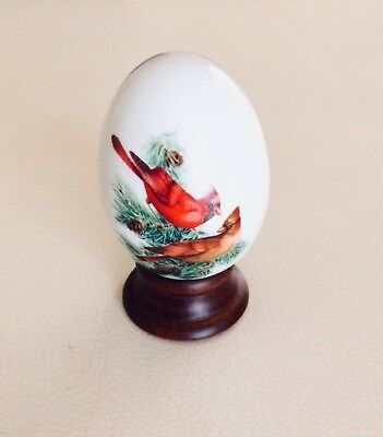 Vintage Avon Collectable Decorative Egg And Stand - Winter Sparkles - Japan