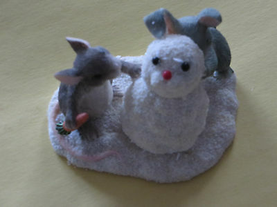 Charming Tails: Building A Snow Bunny Figurine 87/692