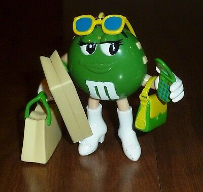 M&M's COLLECTIBLE 2009 *GREEN SHOPPER* AUTO SCAN FM RADIO - TOO CUTE!!