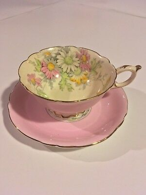 VINTAGE Paragon Teacup and Saucer GREAT Condition // QUICK CANADA SHIPPING