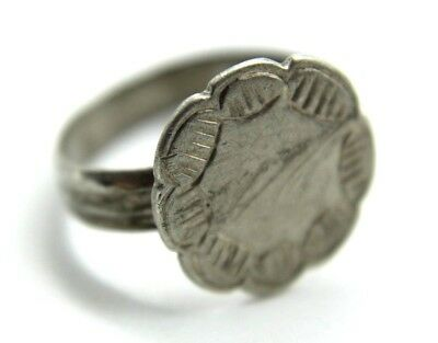 Ancient Roman Silver Engraved Ring.  2V271
