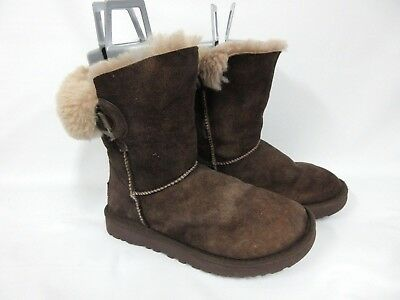 015f2a00068 UGG AUSTRALIA WOMEN'S Nash Genuine Shearling Boot chocolate suede 1013491  Size 6