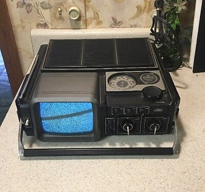 Vintage Sears Solid State Portable Go Anywhere TV AM/FM Radio Model 564